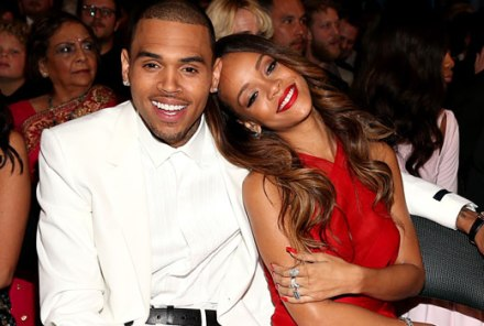 chris-brown-rihanna-grammys-2013-cozy-up