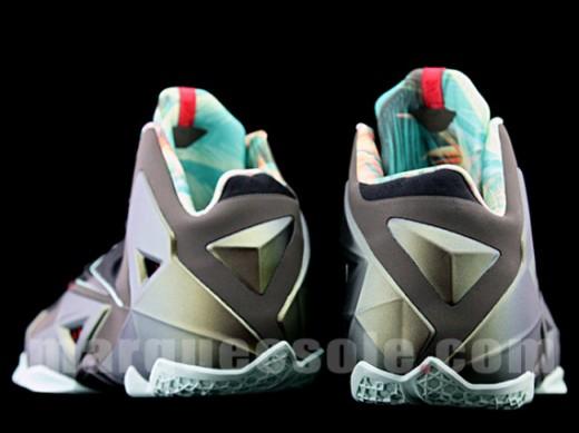 Nike-LeBron-XI-14-520x389