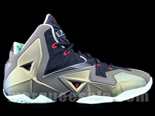 Nike-LeBron-XI-16-520x389
