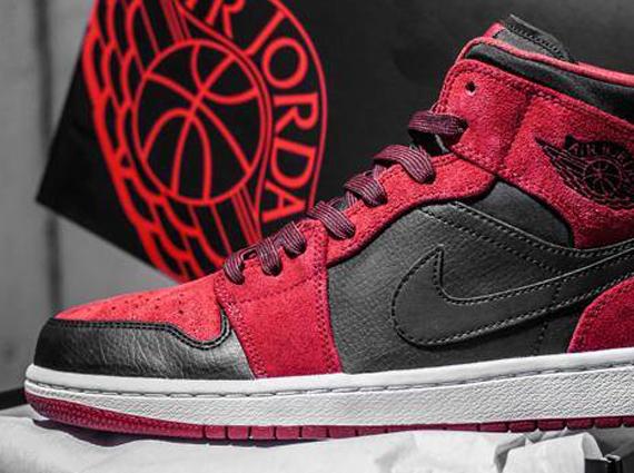 air-jordan-1-mid-red-suede-black-1