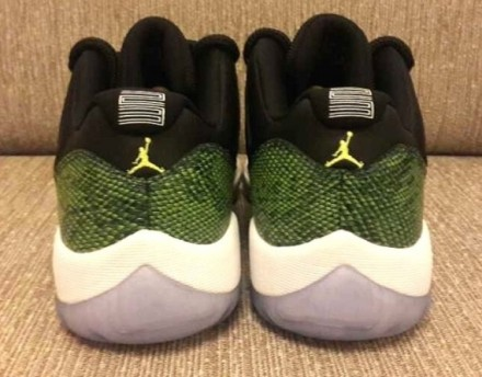 air-jordan-11-low-retro-green-snake-02-570x446
